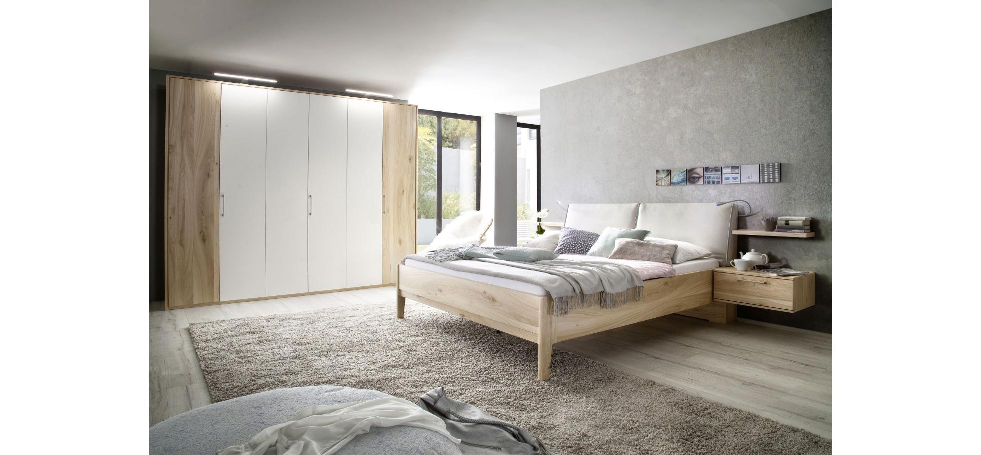Schlafzimmer in Bergulme und Weiß | Möbelhaus Pohl - Wilhelmshaven ...