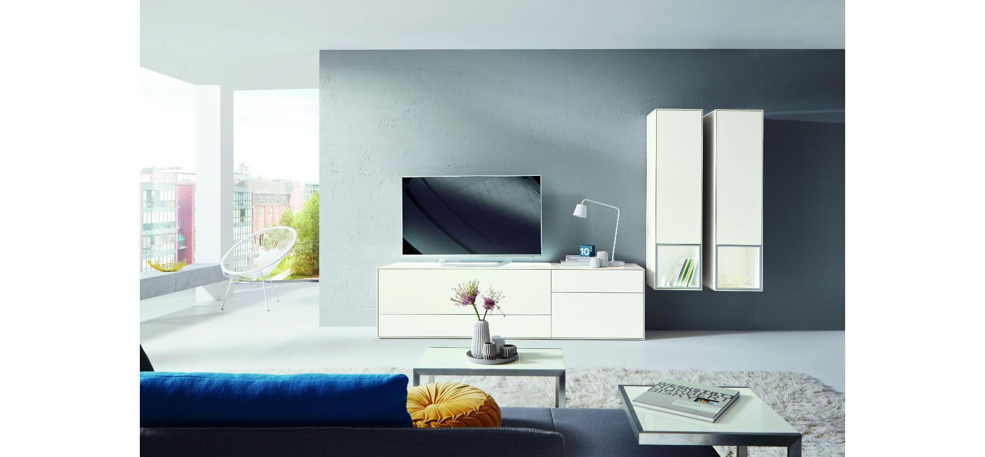 Moderne wohnwand in lack hochglanz wei m belhaus pohl wilhelmshaven friesland m belhaus - Moderne wohnwand weiss hochglanz ...
