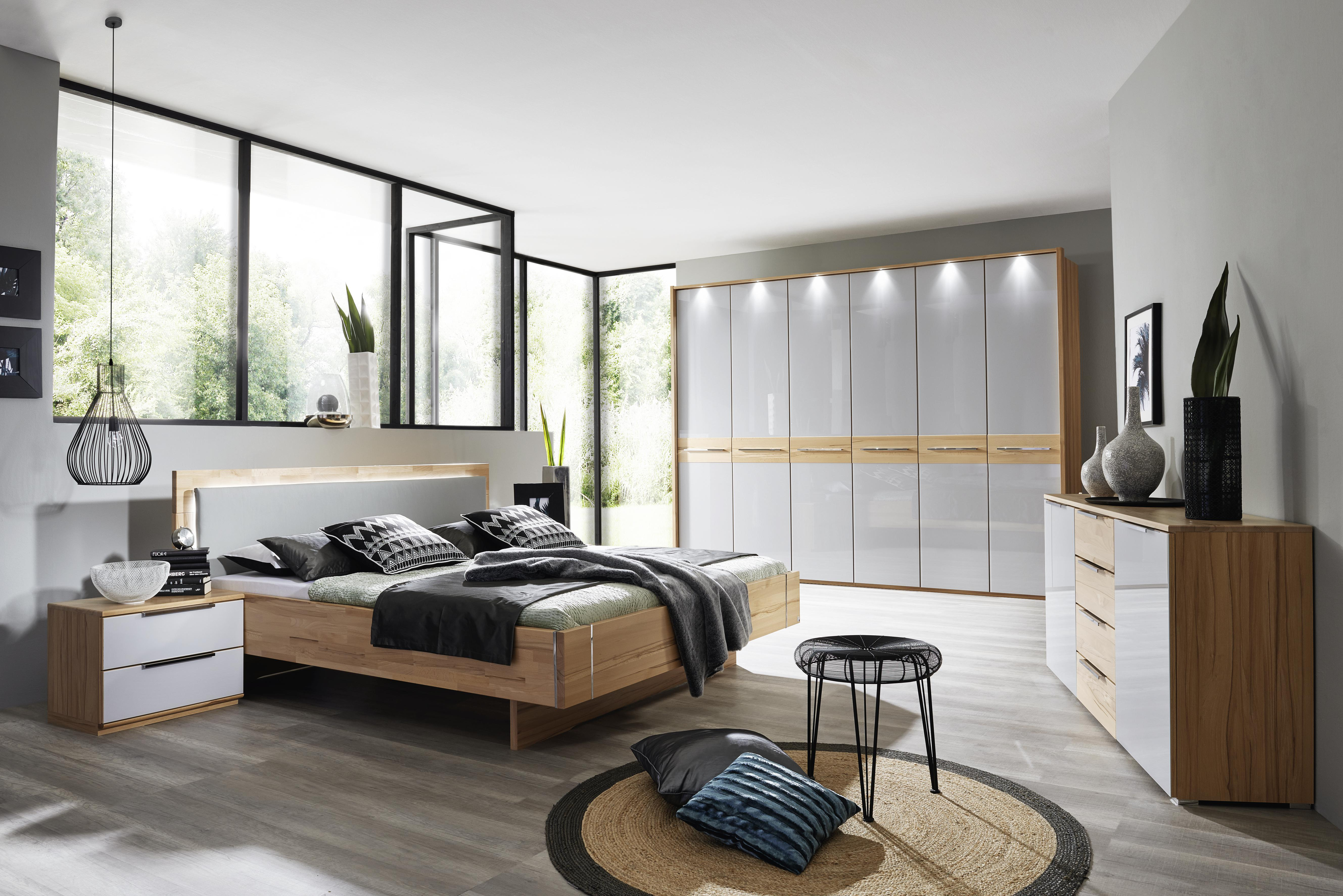 kleiderschrank mit 6 t ren glasfront grau und belechtung. Black Bedroom Furniture Sets. Home Design Ideas